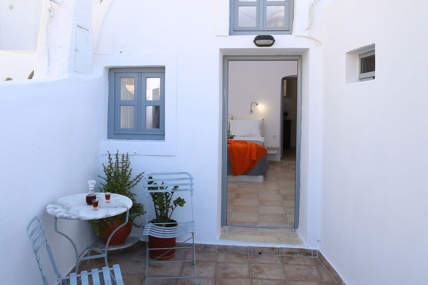 Mylopetres_TRaditional House_OIa_Santorini